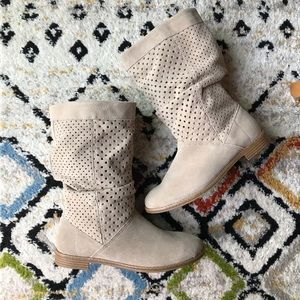 Toms Slouchy Suede Tan Boots - 9.5